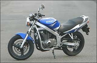 Honda Cb500 Kawasaki Er 5 Suzuki Gs500 Confronto A Tre Dueruote