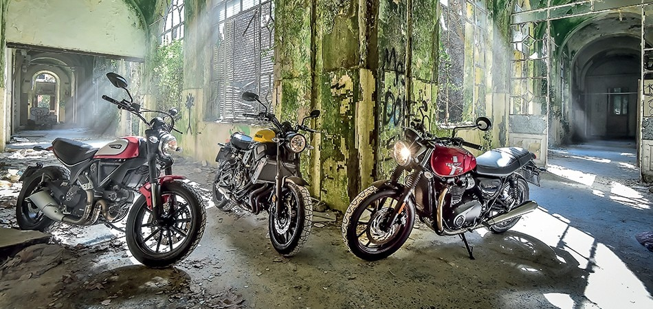 Ducati scrambler vs triumph street twin