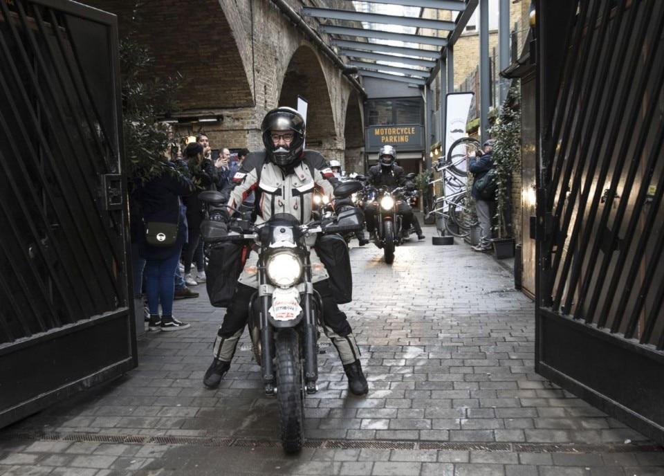 Il giro del mondo da solo con una Ducati Scrambler Desert Sled