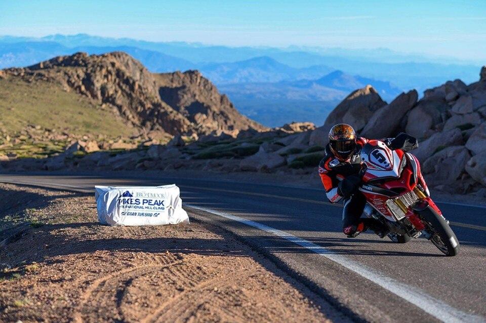 Una Ducati Multistrada 1260 vince la Pikes Peak