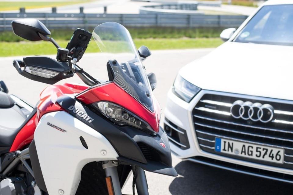Ducati al lavoro per far comunicare le moto con le auto
