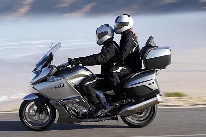 Arriva la polizza pensata (anche) per i passeggeri di moto