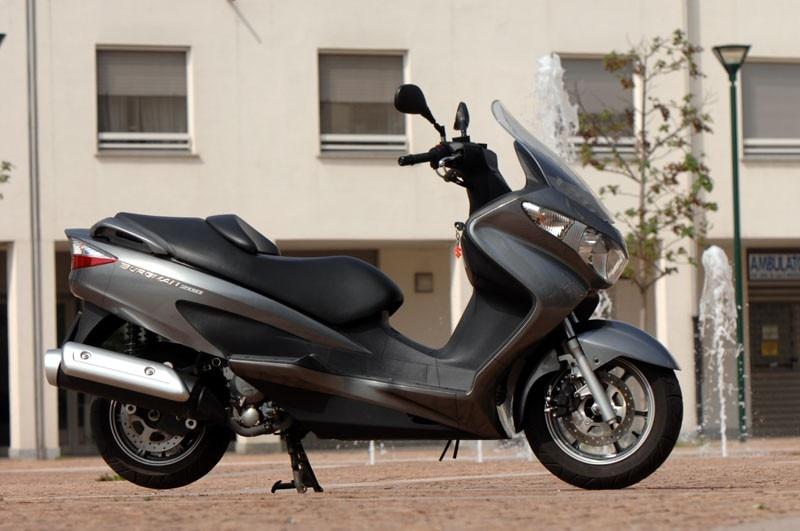 Suzuki Burgman 200 Vs 400