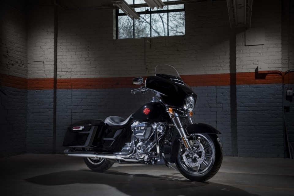 harley davidson electra glide standard dueruote. Black Bedroom Furniture Sets. Home Design Ideas