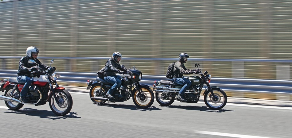 Kawasaki W 800 Moto Guzzi V7 Special Triumph Scrambler Prova